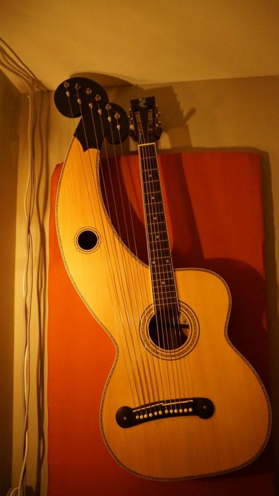 Holloway Harp guitar, other cathedrals
