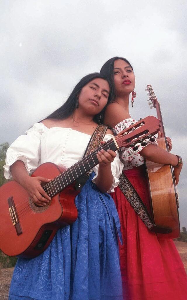 Dueto Dos Rosas PC Margaret Leyvas Web 2
